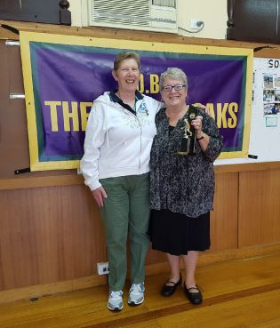 Ladies Singles Champion Joyce Watts and Runner-up Heather Topp pose without the weighty gold